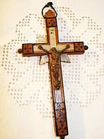 Jeruzsálemi intarziás fa feszület gyöngyház díszítéssel  / XIX. sz-i /
