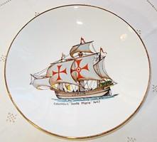 Santa Maria-t, Kolumbusz egyik hajóját ábrázoló porcelán gyerektál