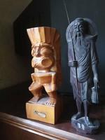 Hawai és Indonéz faragott fa szobrok
