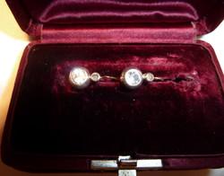 Antik arany buton fülbevaló nagy fehér zafirokkal 1,1 ct