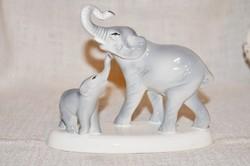 Gránit elefánt kölykével 02  ( DBZ 00104 )
