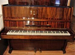 Ukrajna páncéltőkés pianino 2 pedálos
