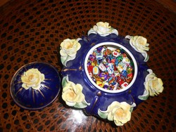Porcelán rózsás asztalközép, kináló