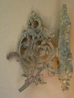 Turul -os sárkány -os falikar csengő tartó konzul volt. Öntöttvas madár megtört áttört