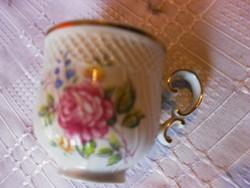 Csodaszép hajnalkás csésze kis lepattanás