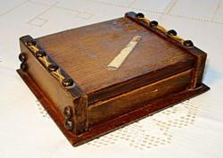 Fa cigarettakínáló doboz
