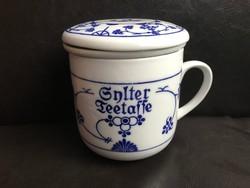 Antik jelzett porcelán bögre teaszűrő betéttel, ritka