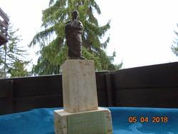 Ovidius bronz márvány szobor,szülővárosa,Sulmona állomásán álló kicsinyített mása-25 cm-1690 g