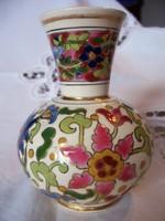 Fischer Ignácz kis 19. századi vázája perzsa virágmintás dekorral, historizáló modorban