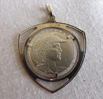 Különleges ezüst medál No.2