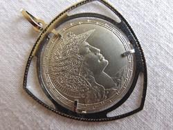 Különleges ezüst medál No.6