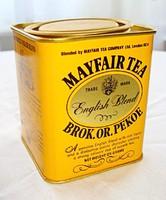 Pléh angol teás doboz, teával.