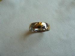 Fehér és sárga arany színű karikagyűrű