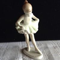 Hollóházi balerina