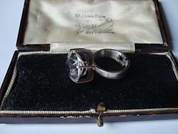 Modernista skandináv ezüst gyűrű hegyikristállyal