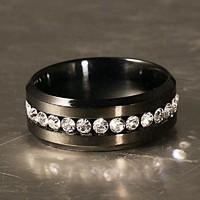 Fekete titánium acél gyűrű, fehér CZ kristályokkal