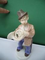 Német porcelán trombitás figura