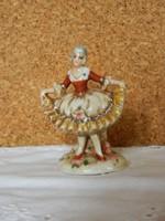 Altwien barokk ruhás nő.
