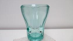 Cseh üveg váza halvány türkiz, különleges forma