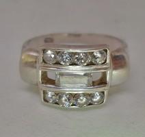 Gyönyörű ezüst gyűrű csiszolt hegyikristály kövekkel