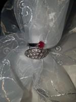 Rubin és cirkónia köves ezüst gyűrű (54-es)