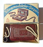 Régi német borotvapenge élező eredeti dobozában, papírjaival