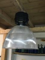 Nagyméretű ipari lámpa plexi búrával