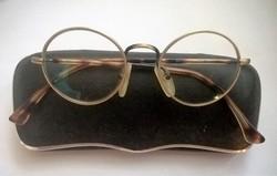 Régi okuláré szemüveg tokjában ... 6fac06cb46