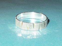 Vésett mint. uniszex 925 ezüst - ródium b. Karikagyűrű 4.