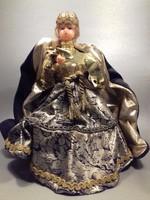 Rendkívüli ünnepi ruhában antik viasz fejű - kezű baba karácsonyfa csúcsdísz 28 cm asztal dísz