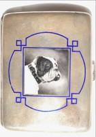 Tűzzománc kutyát ábrázoló kép ezüst tárcán