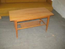 Retró  kisasztal a 60 as évekből