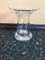 Fújt üveg váza