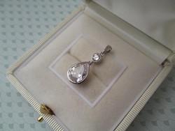 Ezüst medál csepp alakú cirkónia kővel - új ékszer