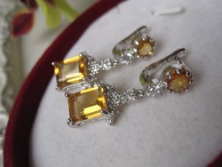 Szögletes ezüst fülbevaló aranyszínű citrin, fehér topáz - 2,9 cm