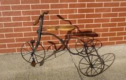 Gyerek tricikli az 1800 as évekből felújított fa részekkel