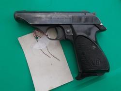 Olasz Bernardelli pisztoly hatástalanítva