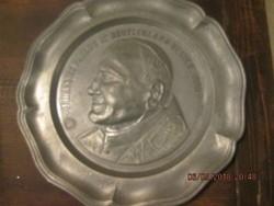 Ón tányér. II János pápa