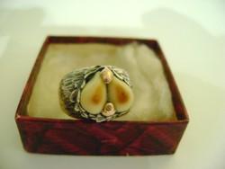 Századforduló idejéről származó 585 és mesterjeggyel ellátott vadász gyűrű