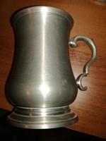 Antik fém kupa