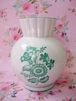 Szegfű mintás Zsolnay váza