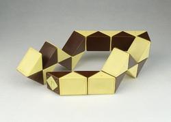 0R340 Rubik kígyó retro logikai játék