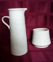 2 db anyagában mintás, fehér porcelán német váza 17 és 7,5 cm magasak
