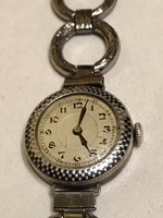 Régi és nagyon szép állapotú ezüstből készült női karóra eladó!Ara 12000. 7b3f6608dd