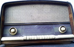 Antik Pacsirta rádió