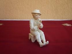 ENS-Volkstedt furulyázó fiú
