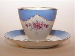 Porcelán teáscsésze és alj  festett diszitéssel