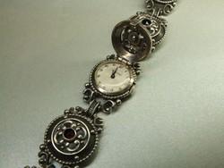 Patinás ezüst karkötő-fedeles órával, 5 gránáttal ( karóra, ékszeróra )