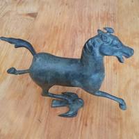 Bronz ló szobor,