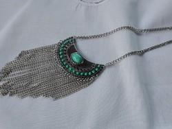 Ezüstözött nyaklánc türkiz színű kövekkel